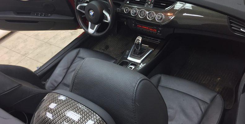 аквапринт салона автомобиля BMW Z4 2011 под карбон