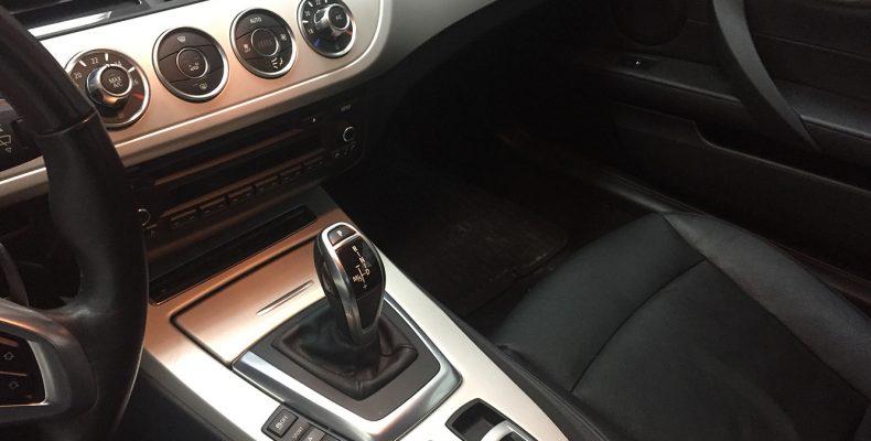 BMW Z4 2011 аквапринт салона под карбон (2)